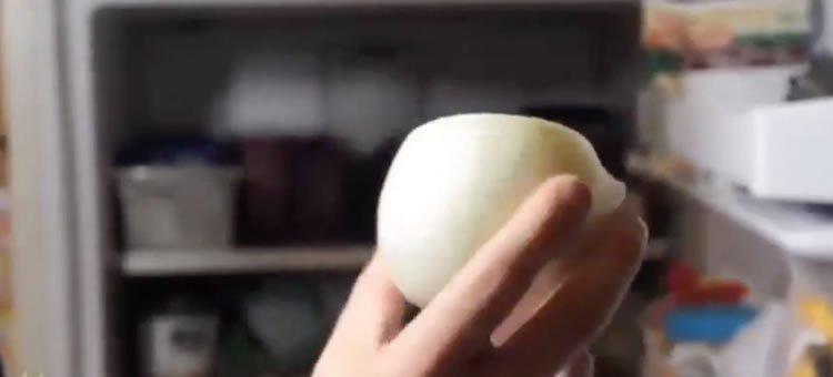 Cortar uma cebola sem chorar