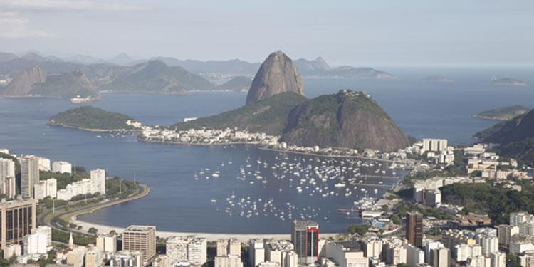 Rio de Janeiro com ocupação urbana: Pão de Açúcar