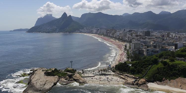 Rio de Janeiro com ocupação urbana: Ipanema e Leblon