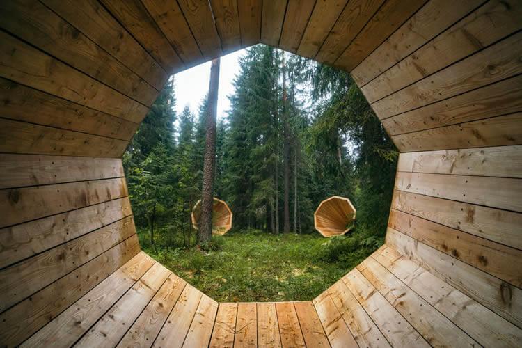 Megafones captam sons de floresta