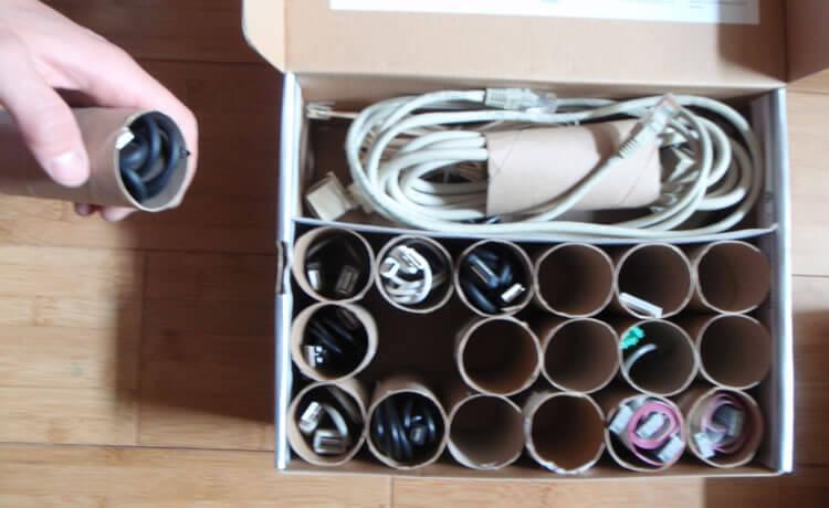 Rolinho de papel higiênico podem servir para organizar fios ou materiais de costura